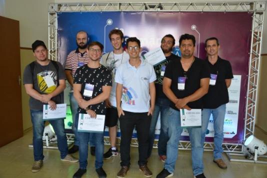 Semana da Inovação inicia com minicurso de Arduino; programação segue até a noite